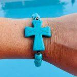 Bracelet howlite turquoise femme croix